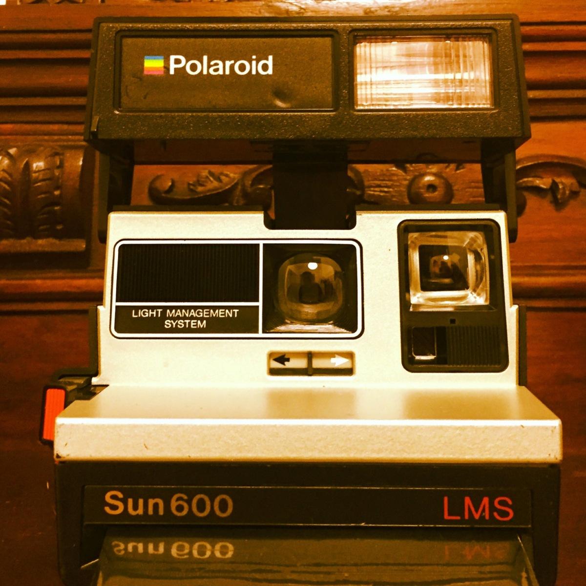 Com que polaroid fotografamos o nosso trabalho  – Mentes Brilhantes 444f1c1da0